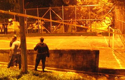 En esta cancha de Francisco Antonio Zea ocurrió el tiroteo. Foto de Rodrigo Martínez.