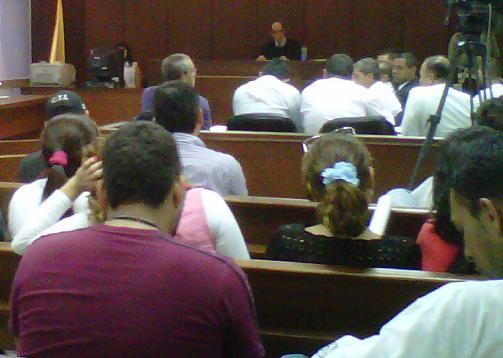 Al momento de la captura, los cuatro policías estaban activos. Escena de la audiencia en el Palacio de Justicia. Foto de cortesía.