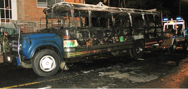 Así quedó el vehículo, aunque por suerte no hubo heridos. Foto de Rodrigo Martínez.