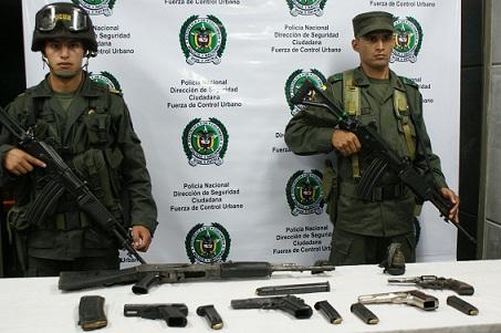 El arma que más se incauta en Medellín es el revólver calibre 38, seguido de la pistola 9 milímetros. El año pasado aumentaron los decomisos de fusiles. Foto de Policía.
