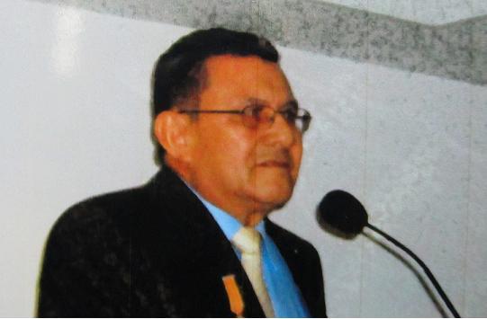 Hoy se realizó el sepelio de Jorge León Montoya Negrete en el cementerio Campos de Paz, acompañada por una multitudinaria caravana de taxistas. Cortesía.