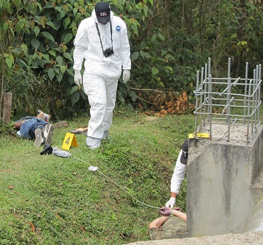 Los cadáveres fueron abandonados al costado de una estructura de acueducto, en La María.
