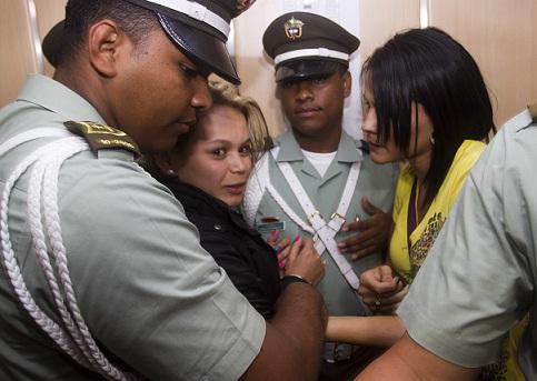 La sospechosa no aceptó el cargo de tentativa de homicidio y fue trasladada a una cárcel, mientras avanza el proceso. Foto de Esteban Vanegas.