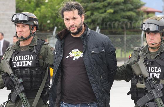 Ericson Vargas, de 38 años, se dejó crecer rastas y barba para pasar desapercibido. Foto cortesía de Policía.