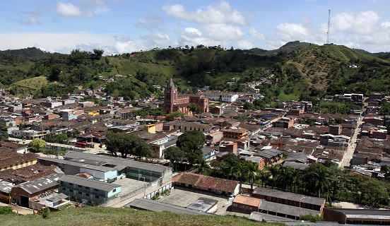 Panorámica del casco urbano de San Roque, Antioquia. Foto de Julio César Herrera.