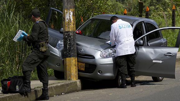 En este carro se desplazaba la víctima cuando se produjo el ataque. Foto de Esteban Vanegas.