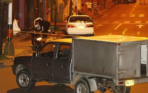 """Cuando ocurrió la matanza de 8 personas en Envigado, el 2 de julio de 2010, la Policía indicó que la causa era la guerra entre """"Valenciano"""" y """"Sebastián"""". A ninguno de ellos le han abierto cargos por eso. Foto de Esteban Vanegas."""