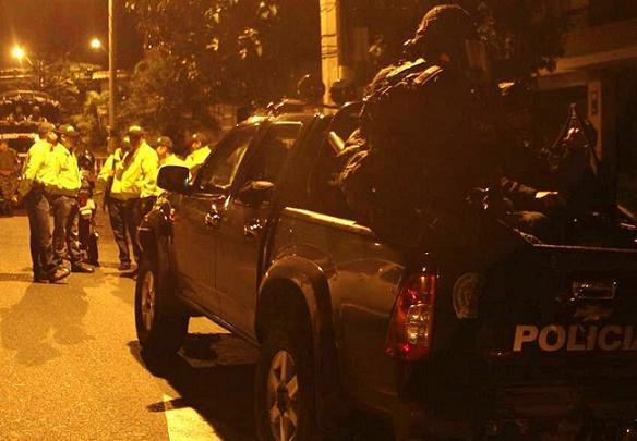 En la ejecución del operativo participaron el CTI, la Policía y el Ejército. El caso logró esclarecerse en tiempo récord, aunque faltan personas por capturar. Cortesía de la Policía Metropolitana.