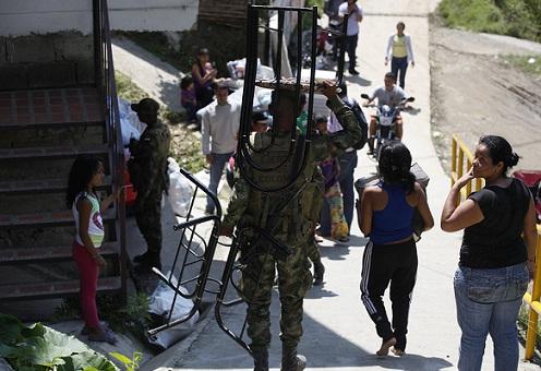 Dos desplazamientos masivos se han presentado en 2013 en Medellín. Foto de Manuel Saldarriaga.