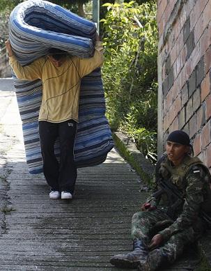 La Personería se comprometió a brindar apoyo a los desplazados. Foto de Manuel Saldarriaga.