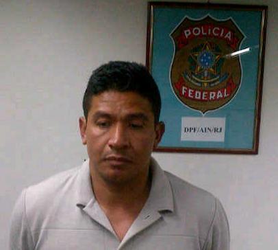 """Este es John Fredy Manco Torres, alias """"El Indio"""", tras su arresto en el aeropuerto de Río de Janeiro, el 31 de mayo de 2013. Cortesía Policía Nacional."""