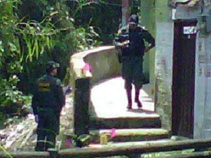 En este sector se presentó la explosión, que dejó tres uniformados heridos. Foto de cortesía.