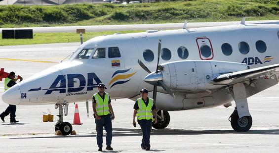 Las autoridades no informaron quién era el dueño del oro y el platino que trataron de hurtar en este avión. Foto de Hernán Vanegas.