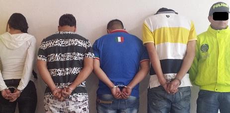 """De izquierda a derecha: alias """"Paola"""", """"Patacón"""", """"Ember"""" o """"Caretorta"""" y """"Daniel"""". Cortesía Policía Metropolitana."""
