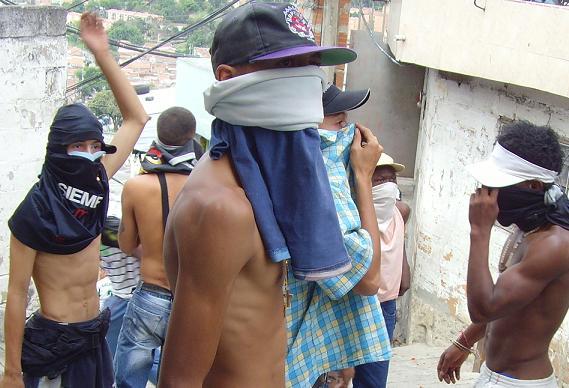La criminalidad de Medellín es mayormente organizada, pues los combos tienen base en 15 de las 16 comunas. Archivo.
