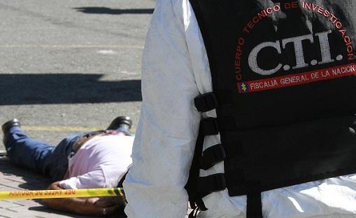 Uno de los supuestos atracadores murió en el lugar de los hechos, mientras que una de las víctimas pereció en el hospital. Foto de Róbinson Sáenz.