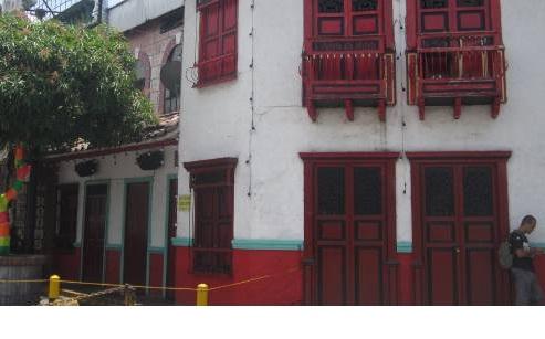 Fachada de la discoteca en la cual resultaron tres heridos a bala. Foto de Pablo Santa.