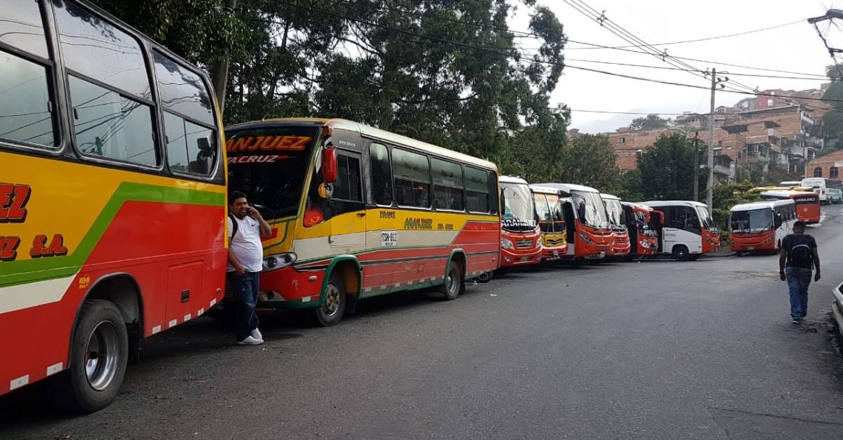 Paro de buses en Aranjuez - Santa Cruz - El Colombiano