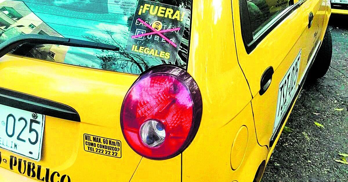 """Con """"apagón"""", taxistas paisas protestaron contra Easy Taxi"""