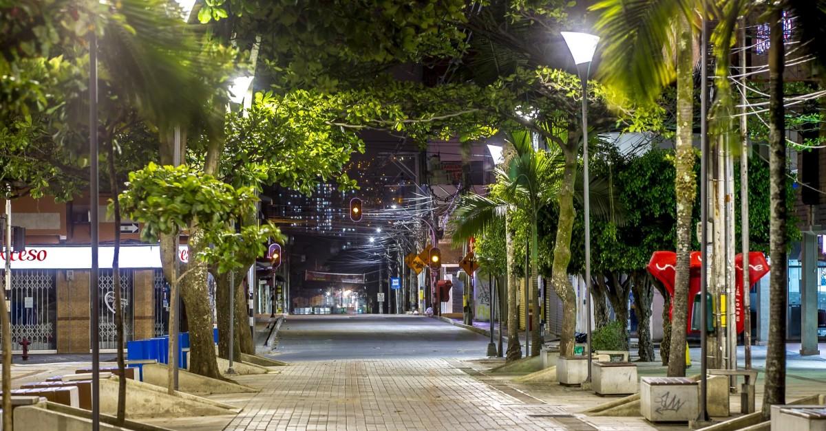 Colombia daría apertura a municipios sin covid, pero extendería cuarentena