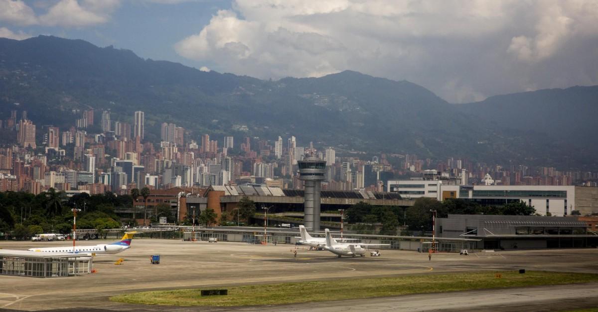 Vuelos demorados en el aeropuerto Olaya Herrera de Medellín - El Colombiano