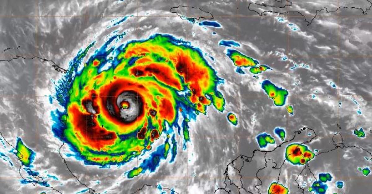 San Andrés y Providencia espera el embate del huracán Iota