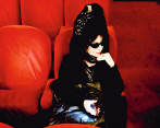 Diane Pernet es la fundadora de ASVOFF (A Shaded View on Fashion Film), festival que celebra anualmente los mejores fashion films de todo el mundo. Foto: Cortesía.