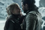 Emilia Clarke y Kit Harington en su escena final en GoT. FOTO Cortesía HBO
