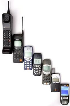 Evolución de los teléfonos móviles. FOTO Cortesía Anders/contributor of Norwegian Wikipedias.