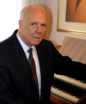 """El maestro Llano fue autor de varias canciones y obras instrumentales, solo y en compañía, entre éstas: """"Si te vuelvo a ver"""", """"Orgullo de arriero"""", """"Puntillazo"""", """"Ñito"""". Foto: Archivo El Colombiano"""