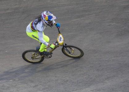 Mariana Pajón vuelve a competencia tras una lesión de rodilla