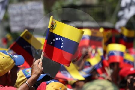 Renuncia  Isaías Rodríguez embajador de Venezuela en Italia con una carta pública