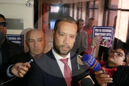 Exabogado de Uribe, Diego Cadena, seguirá en casa por cárcel