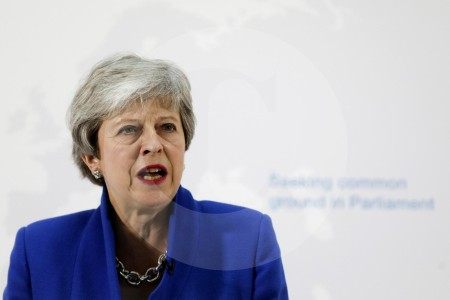 May propone nuevo acuerdo de Brexit al Parlamento Inglés