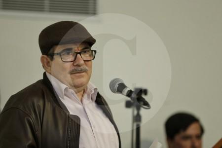 """Rodrigo Londoño, """"Timochenko"""", habla de situación de Jesús Santrich"""