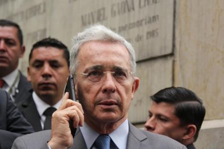 Corte dice que no fue un error chuzar a Uribe