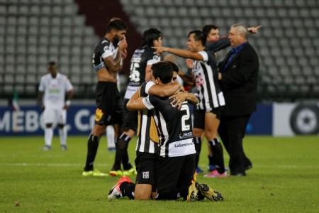 Deportivo Santiní avanzó a la segunda fase de la Sudamericana al vencer al Once Caldas