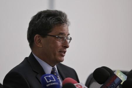 Respuestas de Ministro Alberto Carrasquilla sobre debate por los bonos de agua