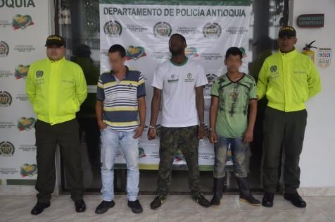Capturados presuntos responsables de asesinato de policía en ... - El Colombiano