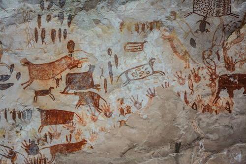 Algunas obras de arte rupestre también hacen parte del Parque Cultural Chiribiquete. Foto @es.unesco.org
