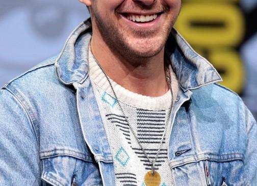 Ryan en la San Diego Comic Con de 2017. En su cuello se aprecia la medalla.