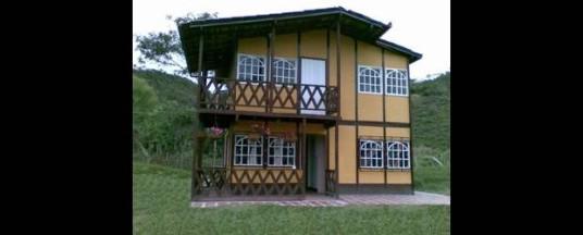 Prefabricado una opci n para su casa campestre for Puertas prefabricadas
