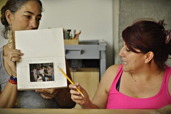 Silvia de Dios Quintero se considera víctima de las Farc, de los grupos paramilitares y del Estado. Tres de sus familiares fueron desaparecidos por esos actores. FOTOS CORTESÍA, REUTERS, MANUEL SALDARRIAGA, EMANUEL ZERBOS.