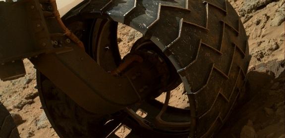 Por desgaste, la Nasa someterá a revisión las ruedas del Curiosity