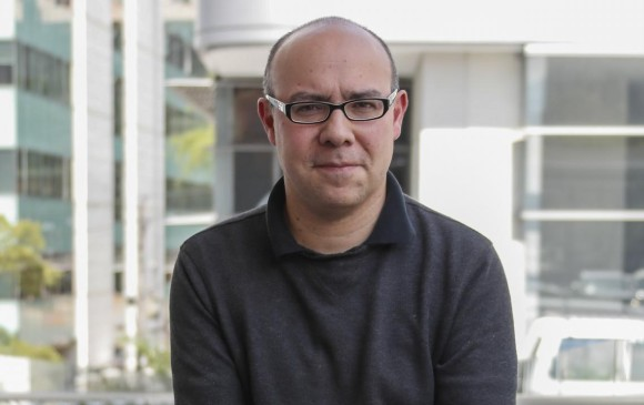 El premio lo organiza Eafit en alianza con Familia y Caracol Televisión. Silva Romero ganó entre 127 obras. FOTO róbinson sáenz