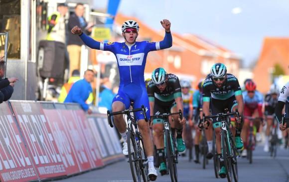 Álvaro Hodeg gana la primera etapa de la Volta a Cataluña