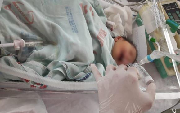 Resultado de imagen para bebé en clínica