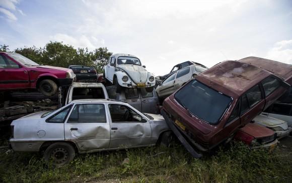Los Carros Tambien Tienen Su Cementerio