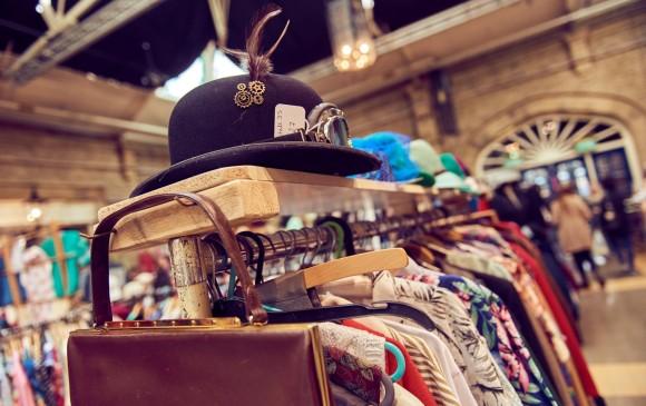 Tanto en Estados Unidos como en países europeos como Francia, Italia e Inglaterra es muy común ver tiendas que ofrecen ropa de segunda mano y también vintage. FOTO sstock