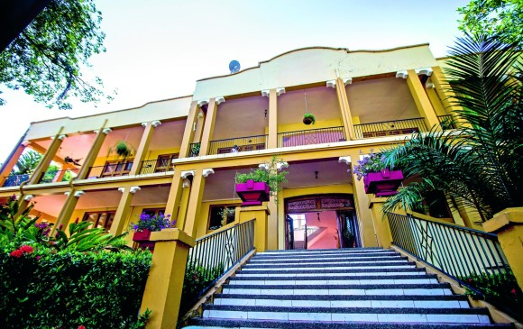Entrada principal del hotel en la actualidad. FOTO JULIO CÉSAR HERRERA